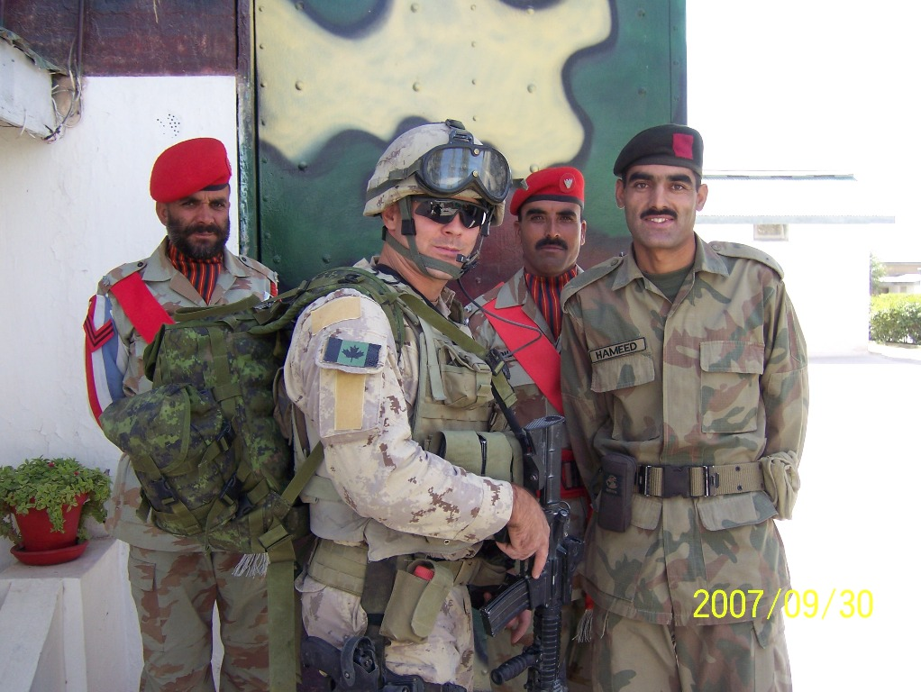 This is PENATRATOR at the Afghan - Pakistani border.  I posted this picture for him because he has a very limited access to the internet.  He is seen here with some Pakistani soldiers.