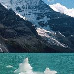 Mount Robson and Berg Lake, Canadian Rockies.jpg